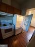 WHITE APPLIANCES AND WOOD FLOORS - 301 S REYNOLDS ST #601, ALEXANDRIA