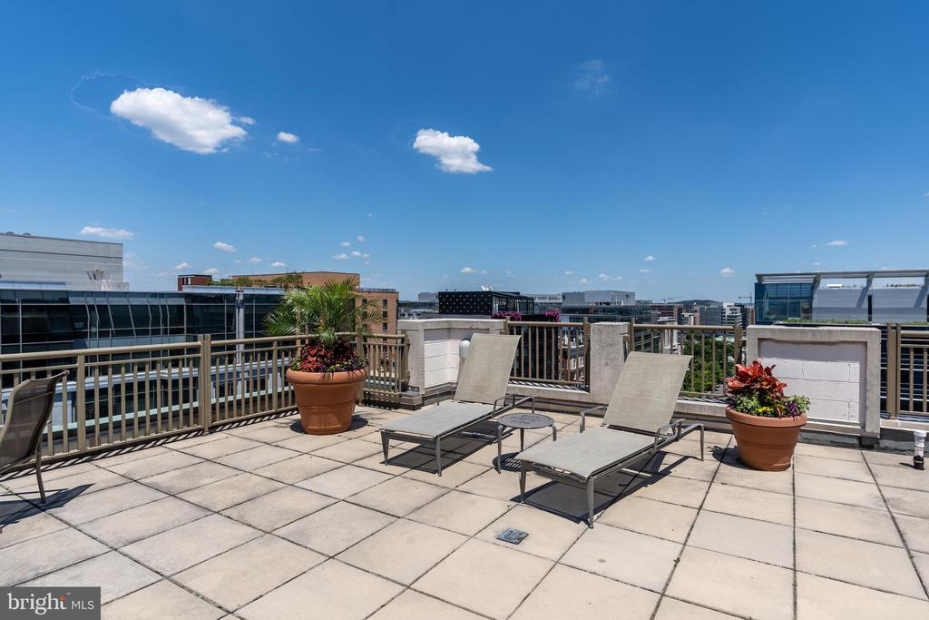 Extra large roof top deck - 1150 K ST NW #411, WASHINGTON