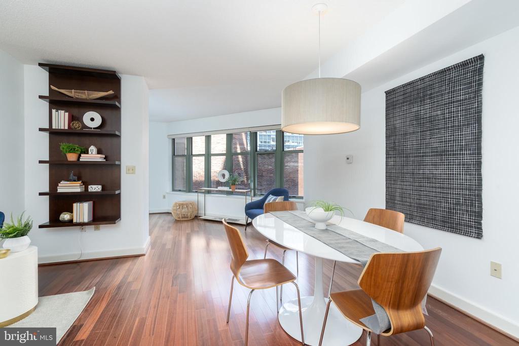Spacious living area - 1150 K ST NW #411, WASHINGTON