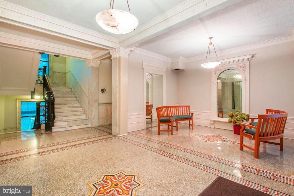 Lobby with hand carved crown molding - 2153 CALIFORNIA ST NW #306, WASHINGTON