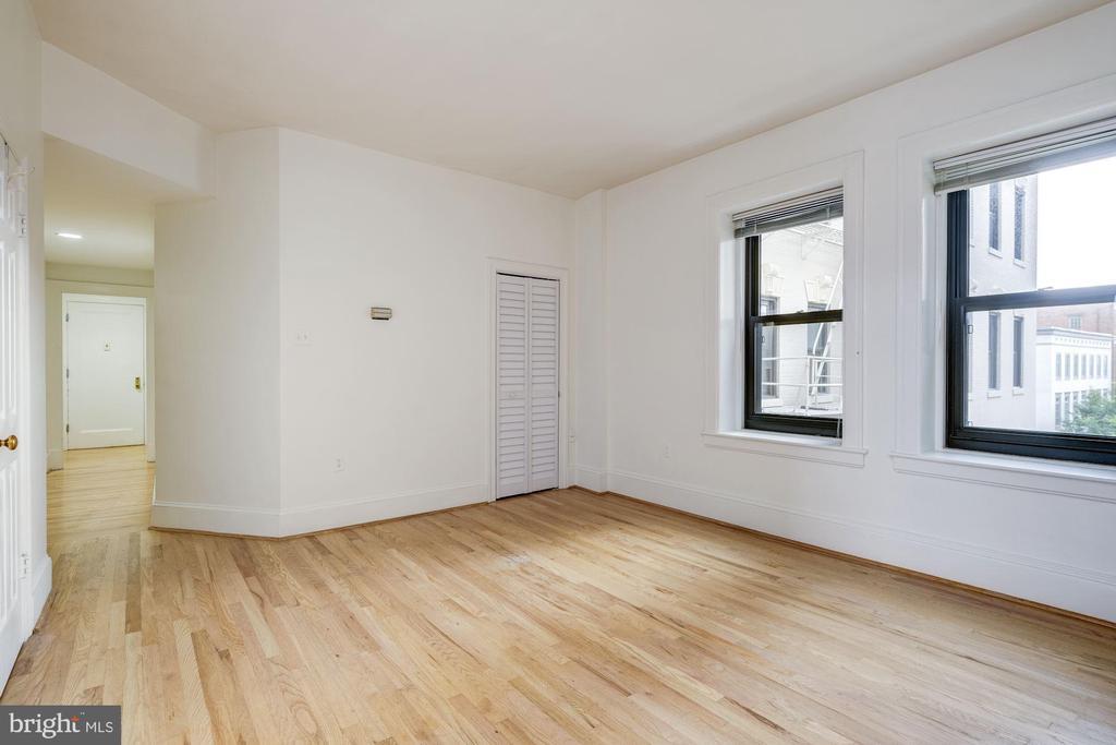 Living area to hallway to entery foyer - 2153 CALIFORNIA ST NW #306, WASHINGTON