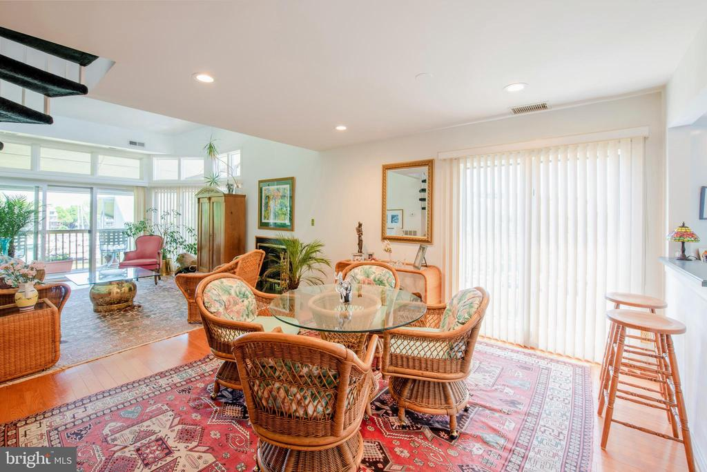 Great for Entertaining - 7024 CHANNEL VILLAGE CT #201, ANNAPOLIS