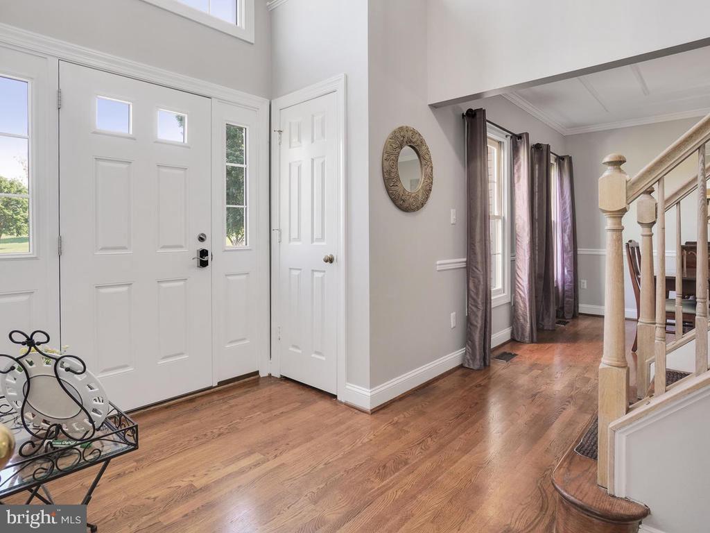 2 story foyer - 11701 FAIRMONT PL, IJAMSVILLE