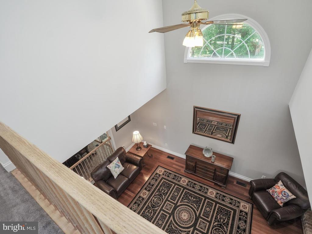 Overlook into family room - 11701 FAIRMONT PL, IJAMSVILLE