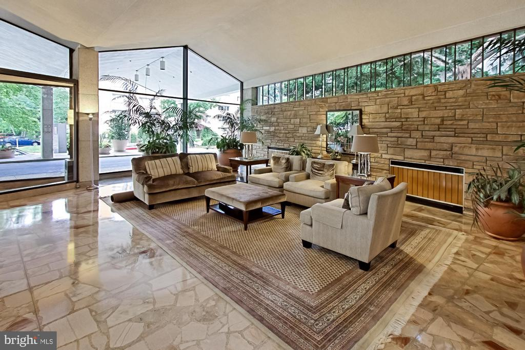Open, Bright, Calming, Well-Maintained Lobby - 1200 N NASH ST #1148, ARLINGTON