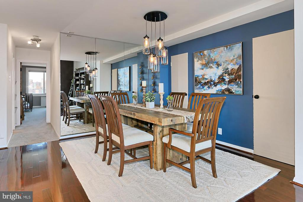 LARGE Dining Area w/TWO EXTRA Storage Closets - 1200 N NASH ST #1148, ARLINGTON