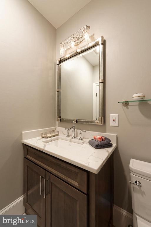 Bathroom - 40850 ROBIN CIR, LEESBURG
