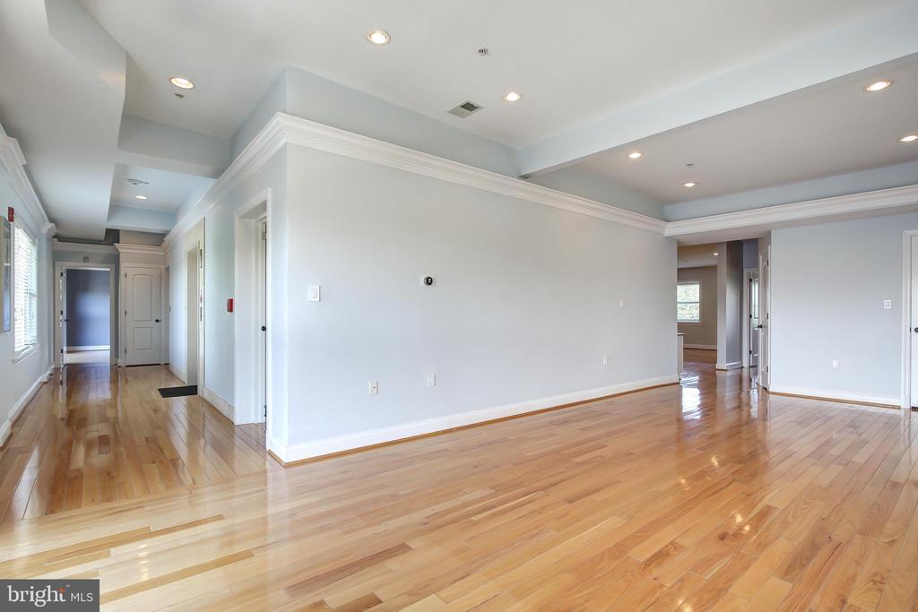 Foyer wraps around to Open Concept LR/DR - 5511 COLORADO AVE NW #501, WASHINGTON