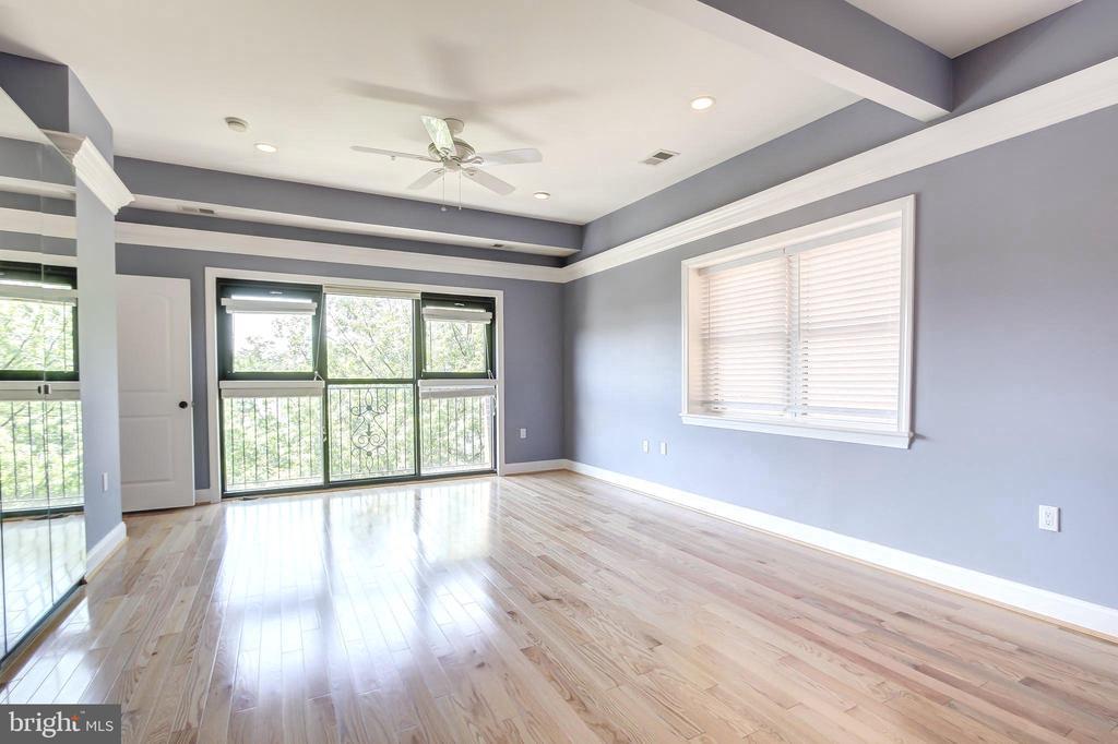 Expansive Master Bedroom - 5511 COLORADO AVE NW #501, WASHINGTON