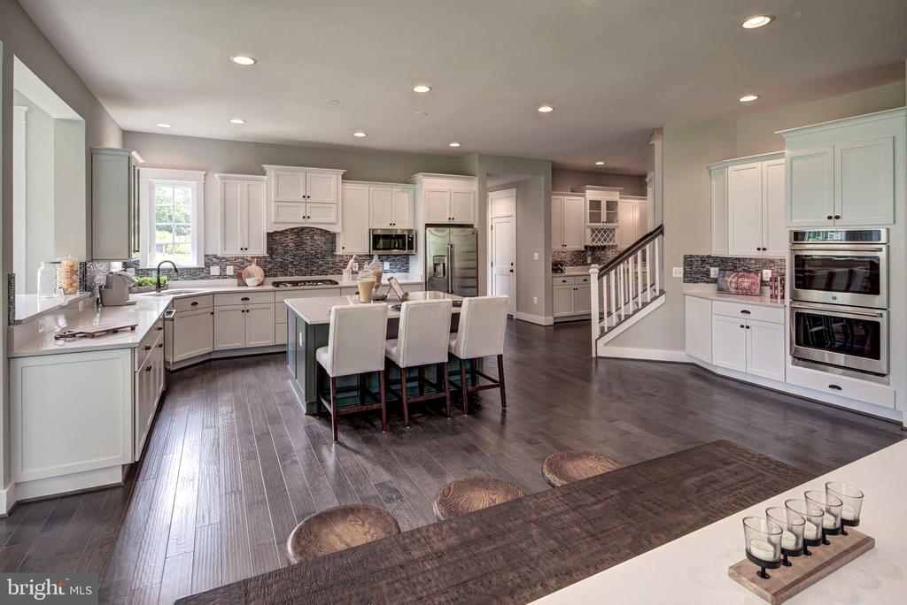Tons of Room for Entertaining (previous model pic) - 3007 WEBER PL, OAKTON