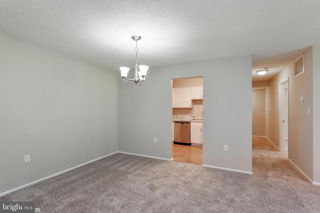 dining room - 3813 SWANN RD #1, SUITLAND