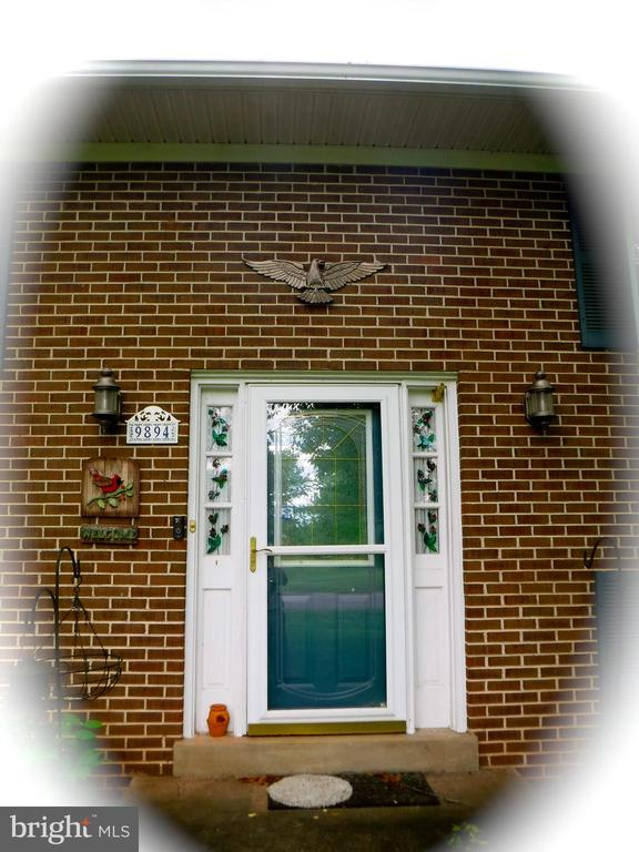 Welcome to your new home - 9894 PAR DR, NOKESVILLE