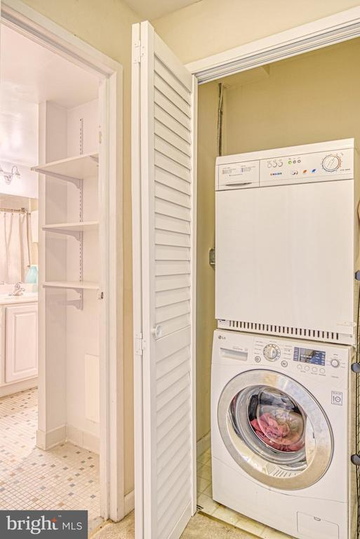 Washer dryer in the unit is great to have - 10570 MAIN ST #325, FAIRFAX