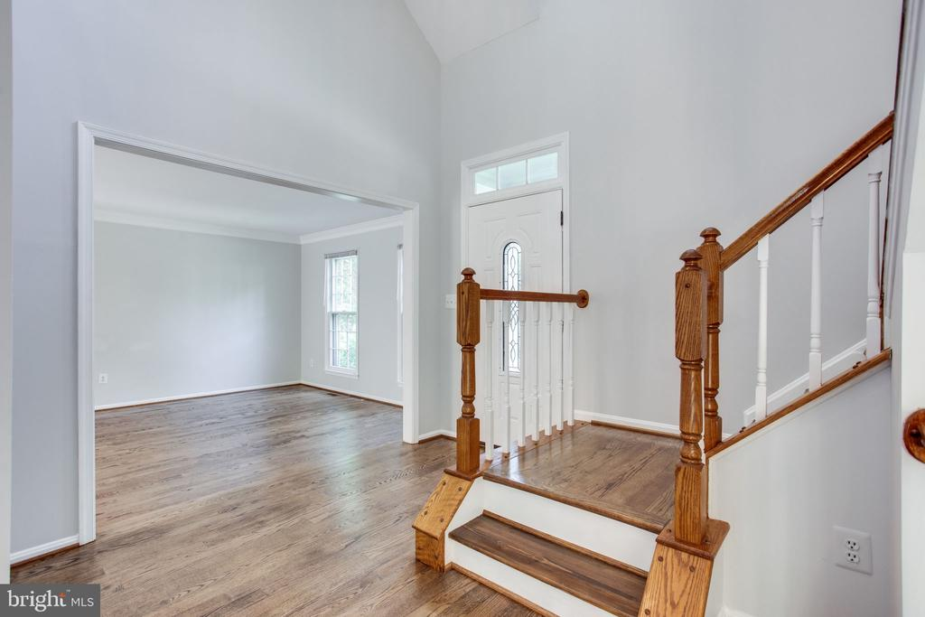 Lets head upstairs - 19923 SILVERFIELD DR, GAITHERSBURG