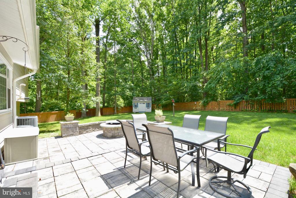 Backyard backs to Lake Accotink Park - 7701 HEMING PL, SPRINGFIELD