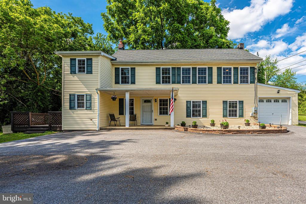 Welcome Home to 4110 Shady Lane! - 4110 SHADY LN, KNOXVILLE
