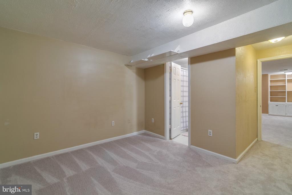 Den/NTC 4th Bedroom - 15415 BEACHWATER CT, DUMFRIES