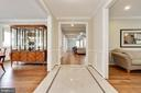 Good flow with dining to left and living to right - 3401 N KENSINGTON ST, ARLINGTON