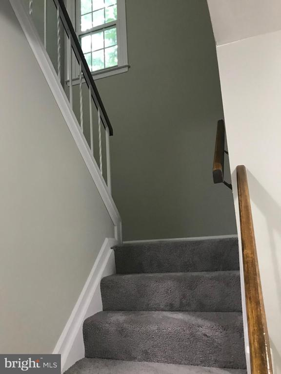 stairs to 2nd flr - 11908 BARGATE CT, ROCKVILLE