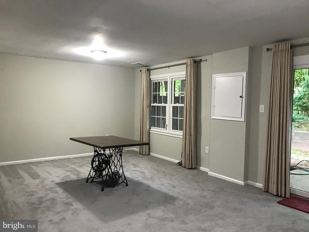 basement -sliding door & concrete patio - 11908 BARGATE CT, ROCKVILLE