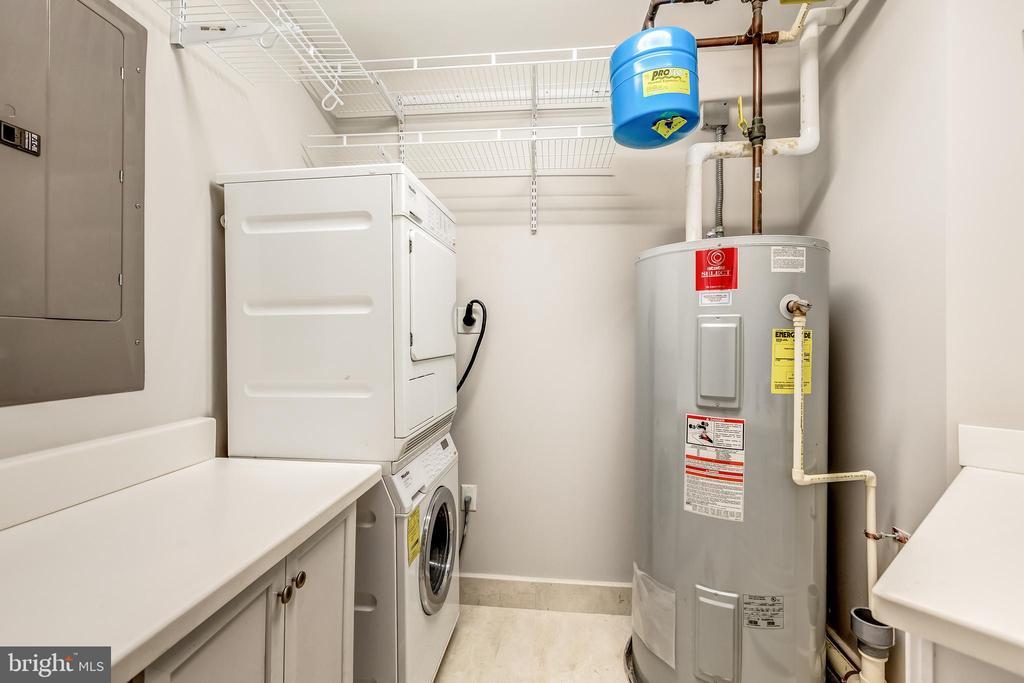 Laundry Room - 1881 N NASH ST #1803, ARLINGTON