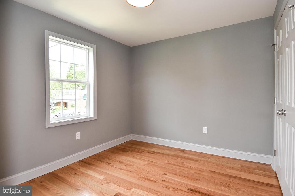 2nd Bedroom -- Bright! - 707 56TH PL NE, WASHINGTON