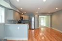- 707 56TH PL NE, WASHINGTON