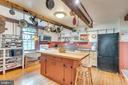 Spacious kitchen, Main Level, hdwd floors - 300 W GERMAN ST, SHEPHERDSTOWN