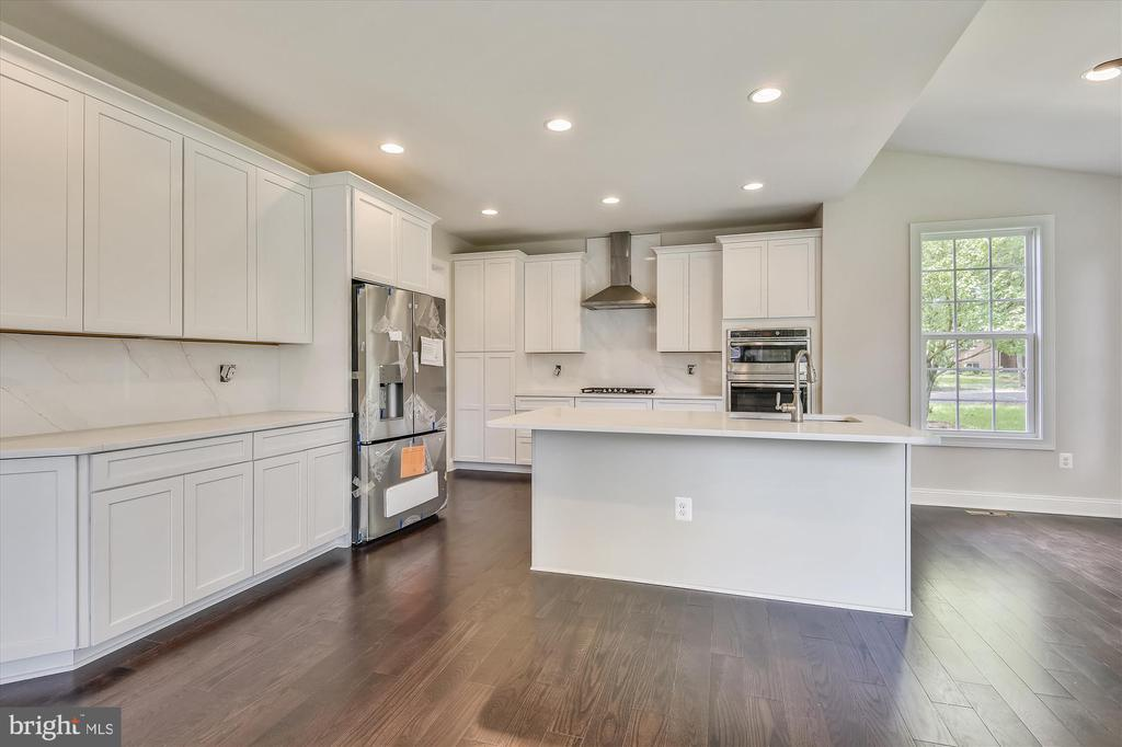 Stainless steel appliances, granite counters - 2905 RANDOM RD, FALLS CHURCH