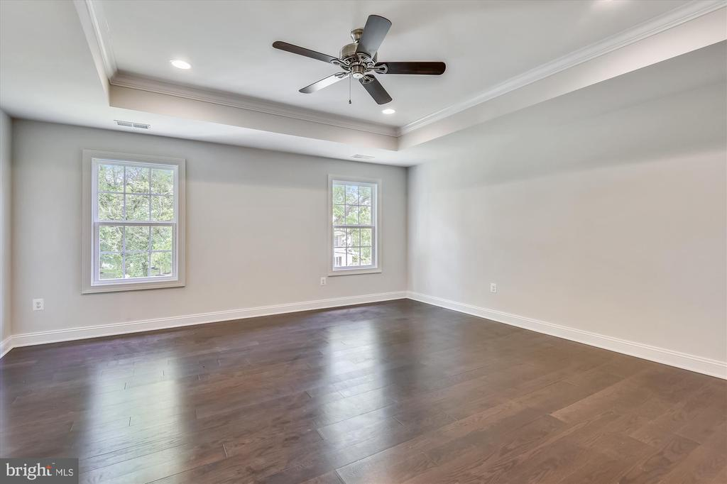 Master BR with hardwood floors, tray ceiling - 2905 RANDOM RD, FALLS CHURCH