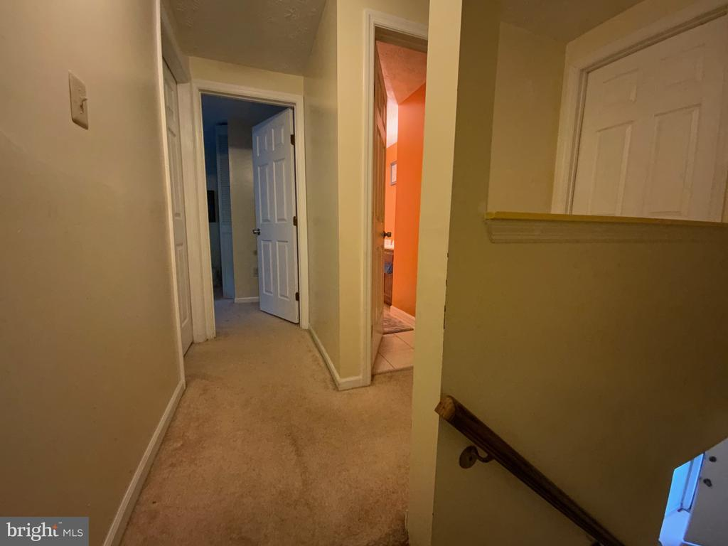 Upper Level Hall - 14118 BUCK HILL CT, BURTONSVILLE
