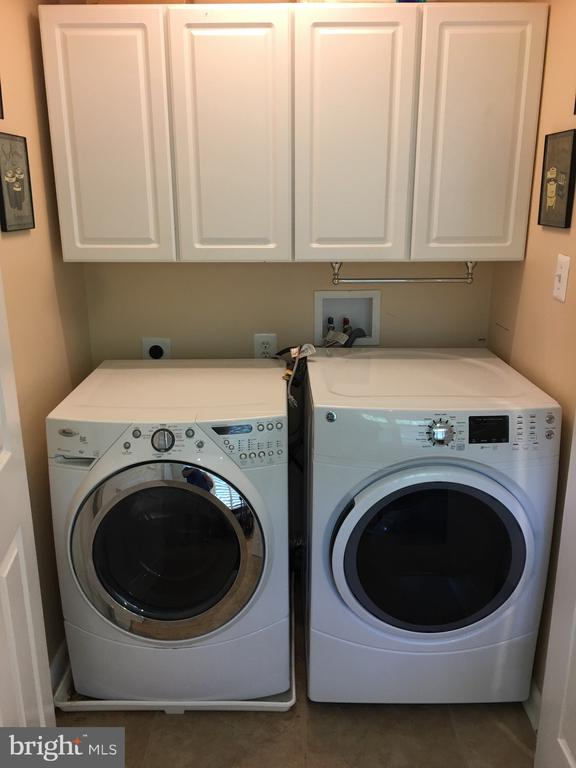 Laundry room just off kitchen. - 7701 HEMING PL, SPRINGFIELD