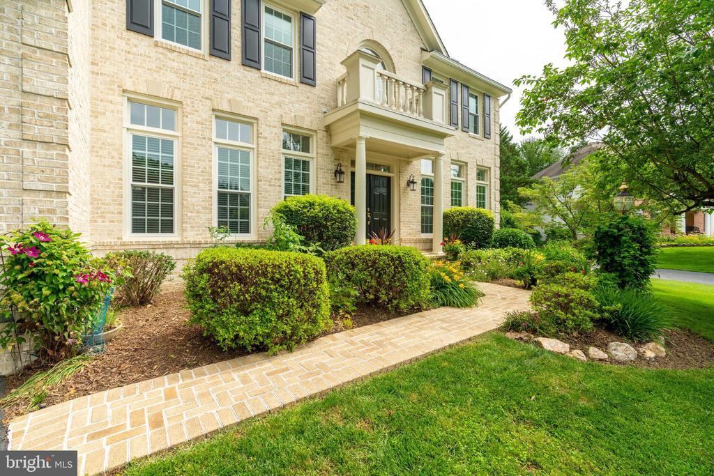 Brick  Walkway with Beautiful Landscaping - 9413 ENGLEFIELD CT, FAIRFAX STATION