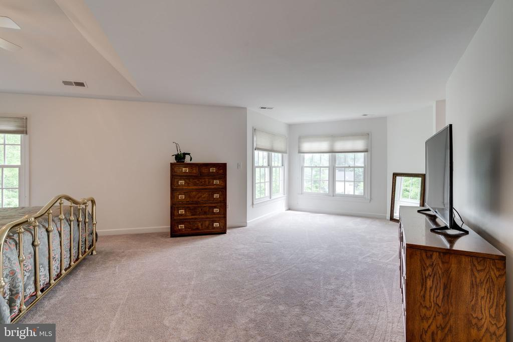 Master Bedroom with view of Sitting Area - 9413 ENGLEFIELD CT, FAIRFAX STATION