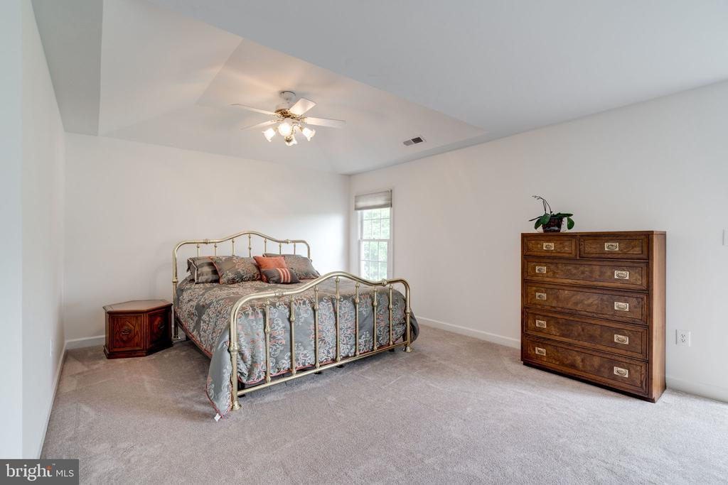 Master Bedroom with Carpeted Floor and Ceiling Fan - 9413 ENGLEFIELD CT, FAIRFAX STATION