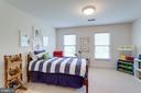 Bedroom #3 with walk-in closet. - 2796 MARSHALL LAKE DR, OAKTON