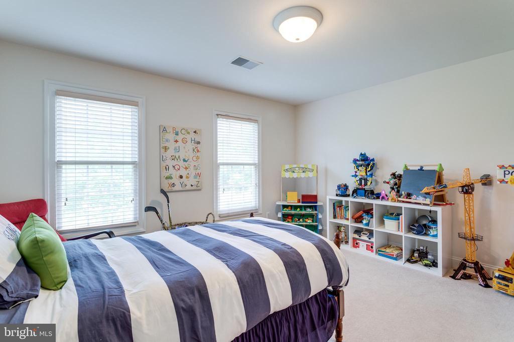 Bedroom #3 - 2796 MARSHALL LAKE DR, OAKTON