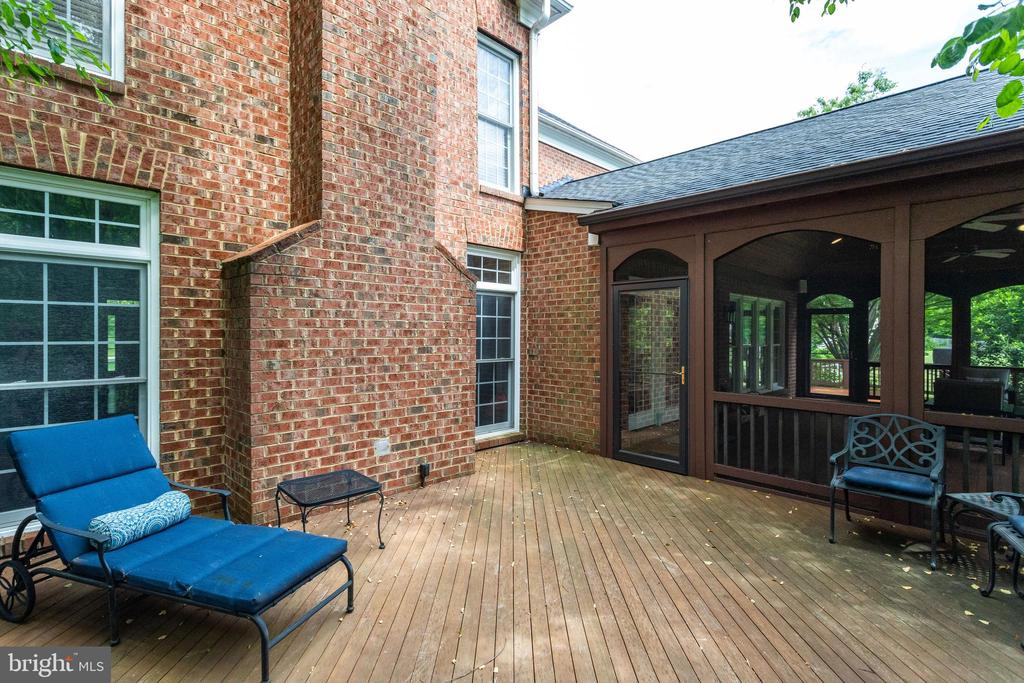 Deck off screened porch. - 2796 MARSHALL LAKE DR, OAKTON