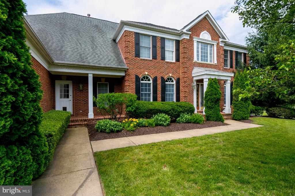 - 19755 WILLOWDALE PL, ASHBURN