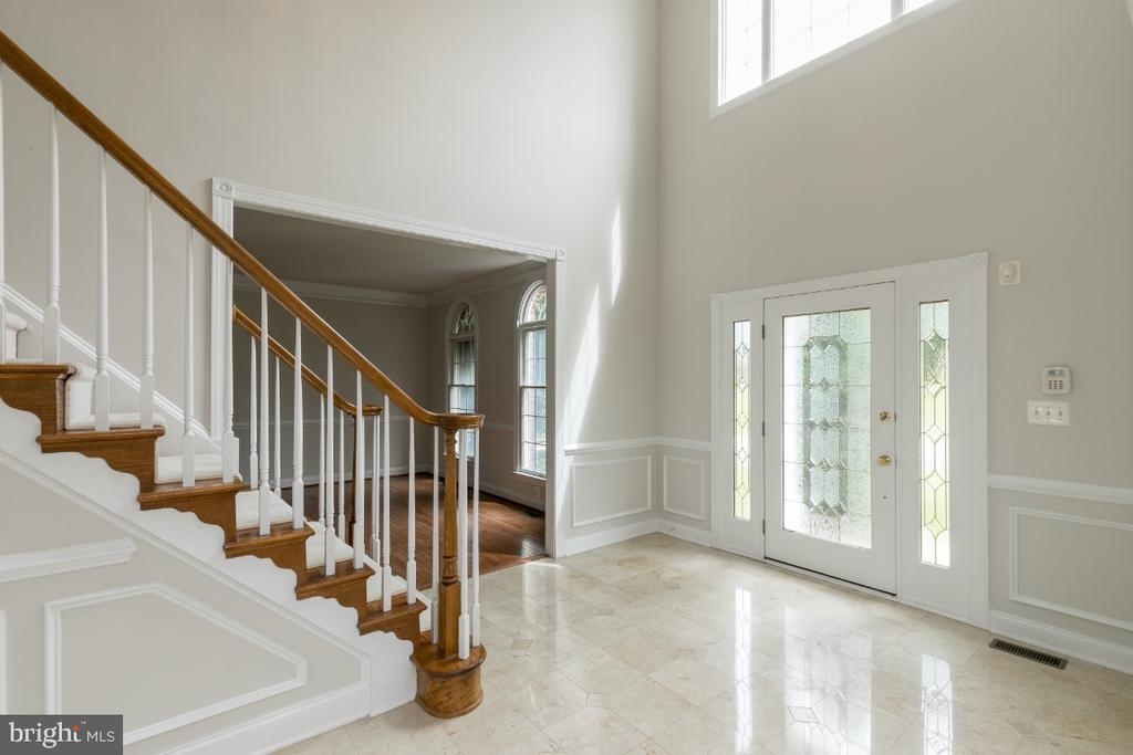 Foyer - 19755 WILLOWDALE PL, ASHBURN