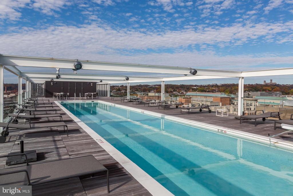 Rooftop heated 25-meter swimming pool - 1111 24TH ST NW #42, WASHINGTON