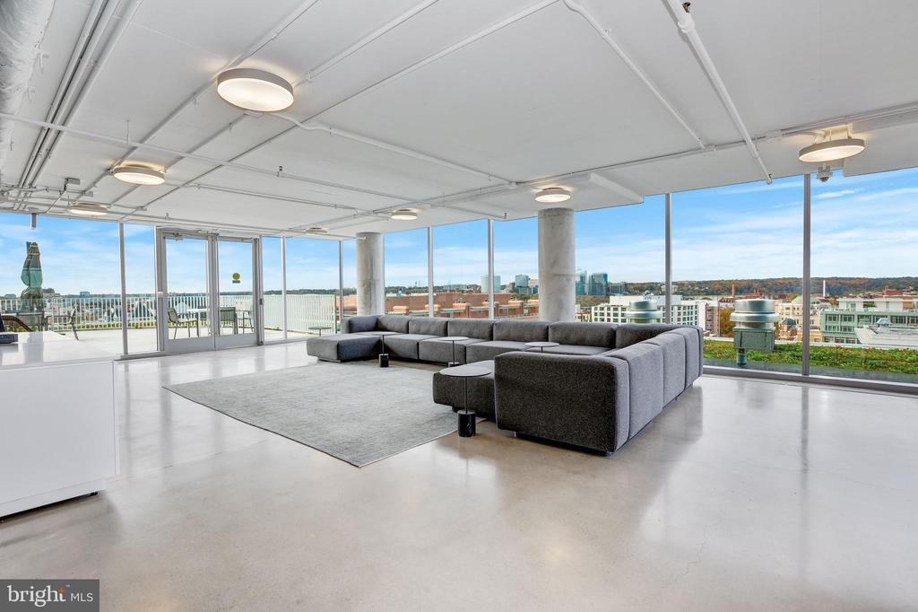 Private rooftop clubroom with views of DC skyline - 1111 24TH ST NW #42, WASHINGTON