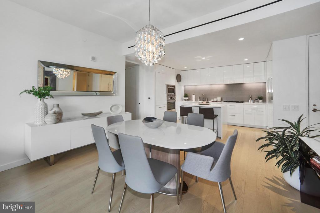Dining room area with designer pendant light - 1111 24TH ST NW #42, WASHINGTON