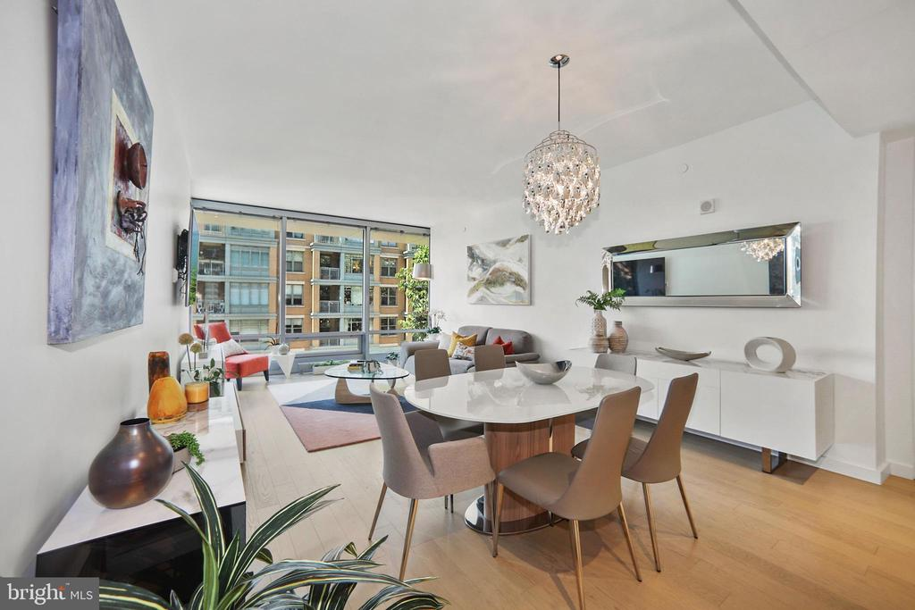 Open living area with natural oak wideplank floors - 1111 24TH ST NW #42, WASHINGTON