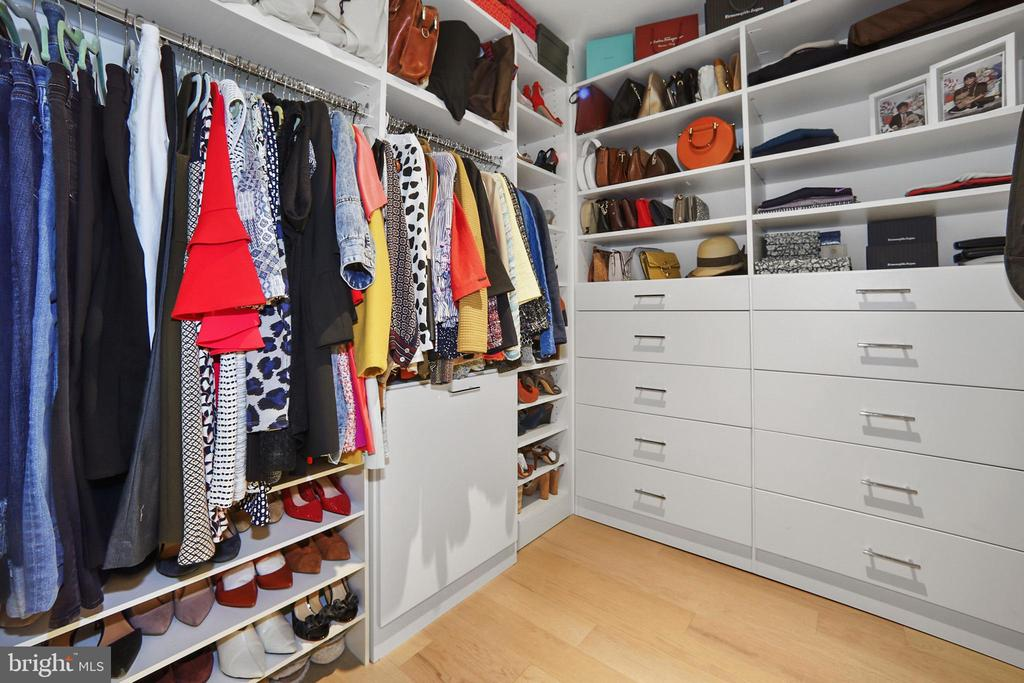 Walk-in-closet customized by Capitol Closets - 1111 24TH ST NW #42, WASHINGTON