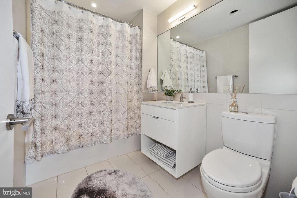 Second  bath with bathtub and Waterworks fixtures - 1111 24TH ST NW #42, WASHINGTON