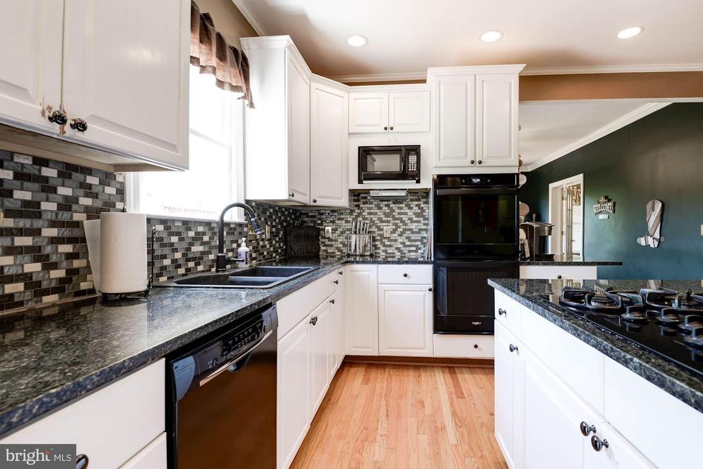 Updated kitchen - 20634 ST LOUIS RD, PURCELLVILLE