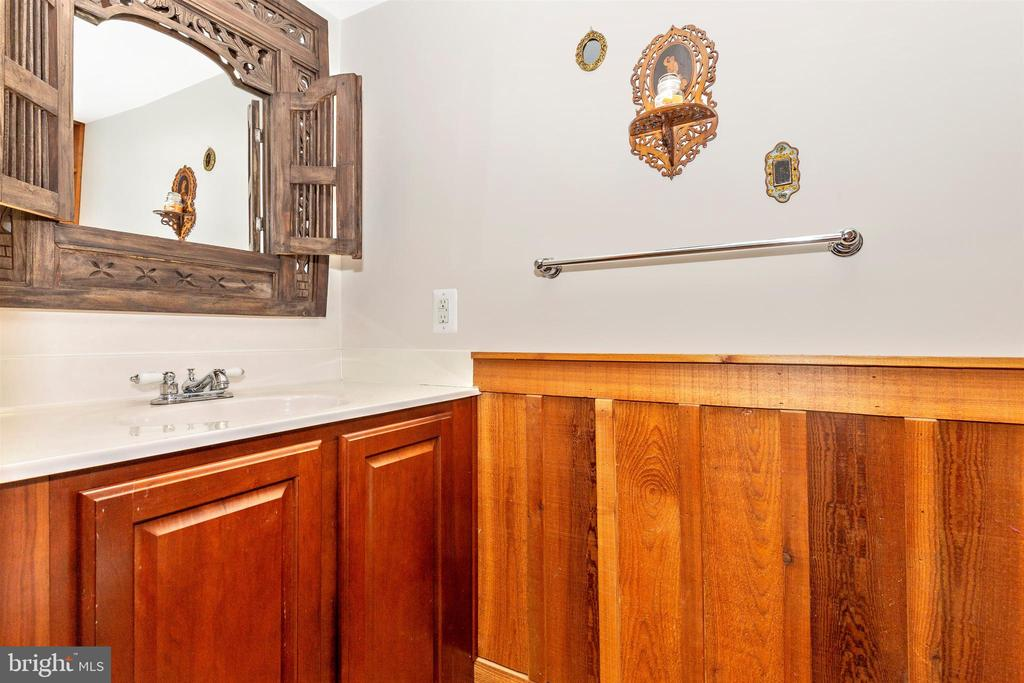 Powder Room - 7807 ROCKY RIDGE RD, THURMONT
