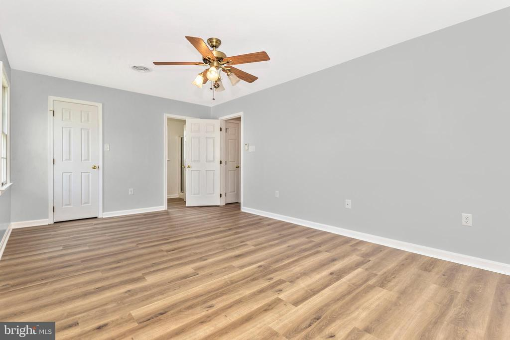 New Flooring and All Bedrooms Are Freshly Painted - 105 REDHAVEN CT, THURMONT