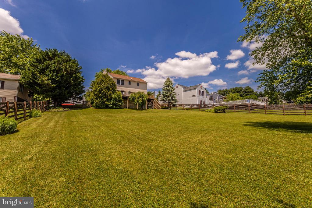 Almost An Acre Of Land - 105 REDHAVEN CT, THURMONT